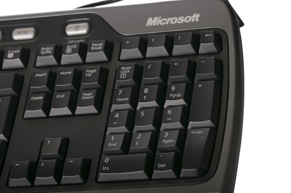Microsoft Natural Ergonomic  Keyboard 4000 (UK105 / British)